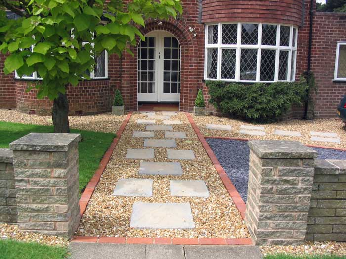 A large low maintenance front garden with 39 planning for Low maintenance gravel garden